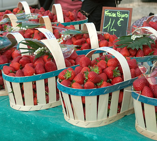 strawberrybaskets1.jpg