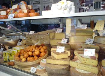 hauptbahnhof-cheeseshop.jpg